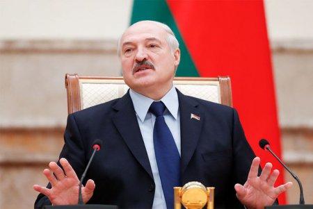 """Lukaşenko: """"Yemək çox ciddi məsələdir"""""""